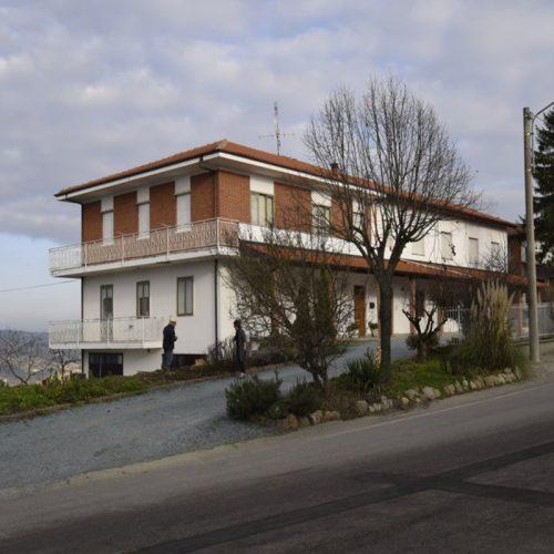 Studio Anna Cane | Prima dei lavori | Casa in zona residenziale a Roddino - 2