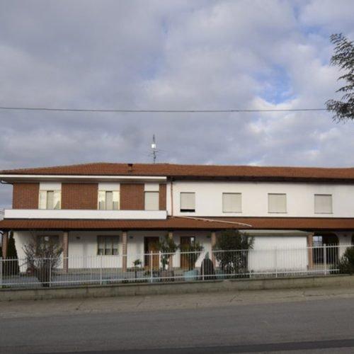 Studio Anna Cane | Prima dei lavori | Casa in zona residenziale a Roddino - 3